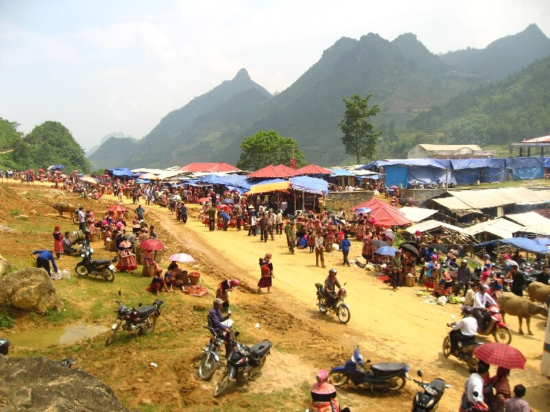 Backpacken Vietnam Bac Ha Hmong markt