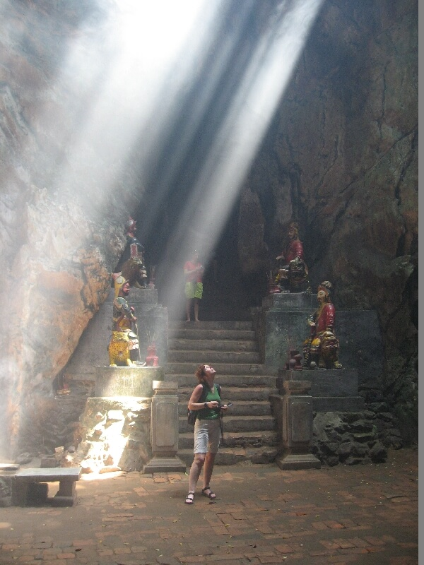 Backpacken Vietnam Danang grot