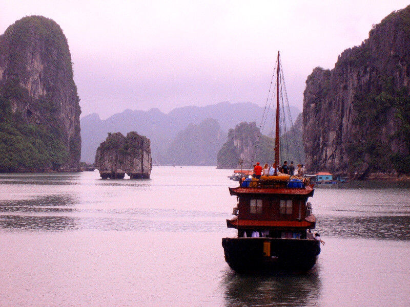Backpacken Vietnam Halong Bay