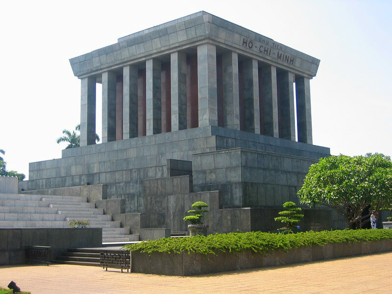 Backpacken Vietnam Hanoi Mausoleum Ho Chi Minh