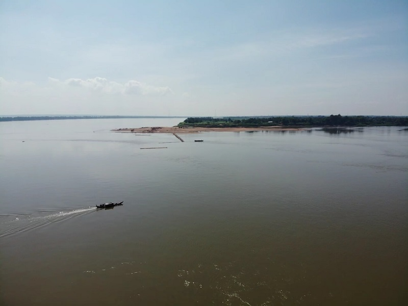 Bamboe brug Kampong Cham droneview