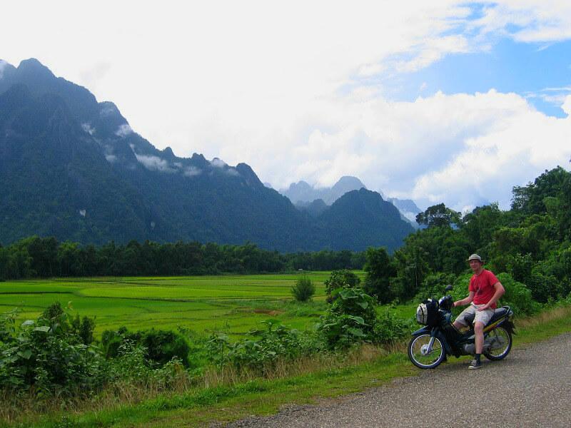 Budget Laos brommer huren