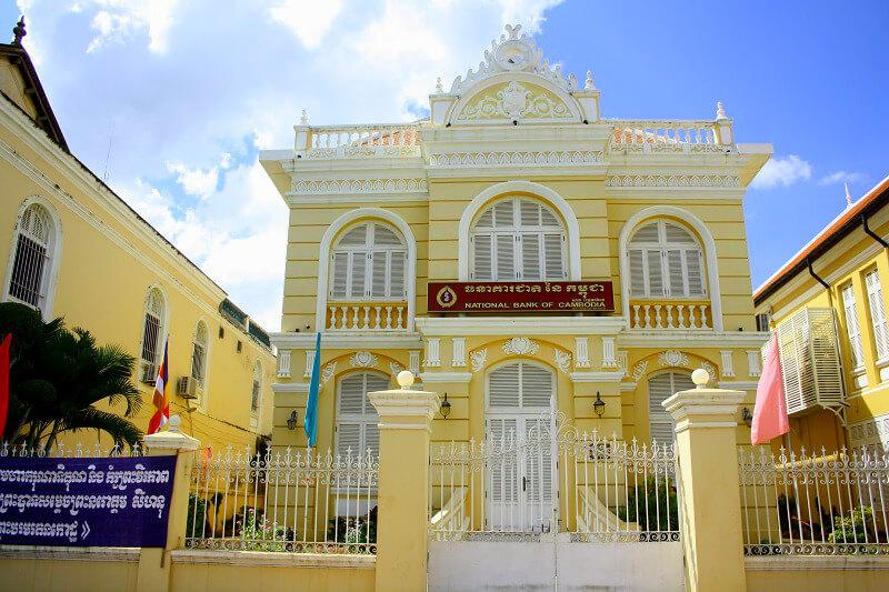 Reistips backpacken Battambang koloniaal gebouw