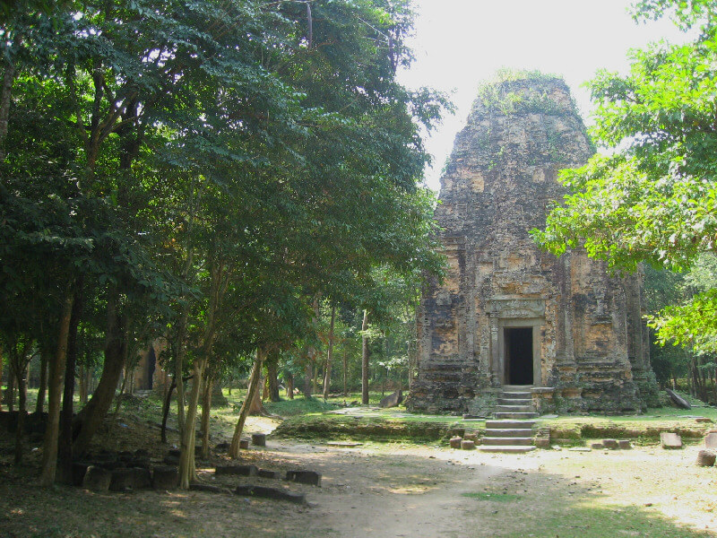 Backpacken Kampong Thom Koh Ker tempels