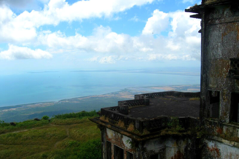 Reistips backpacken Kampot Bokor Hill uitzicht