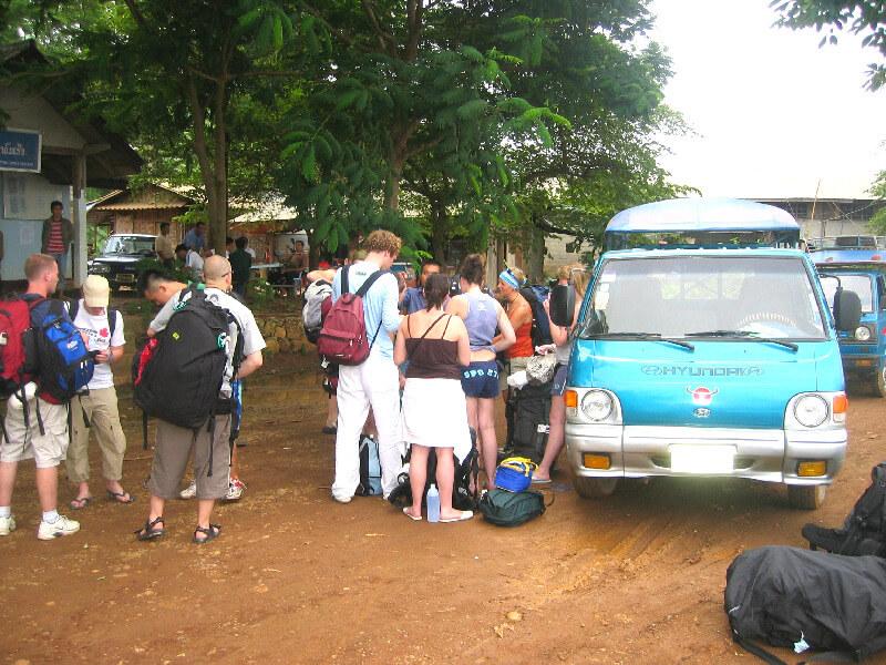 Backpacken in Ban Huay Xai vertrek met busje
