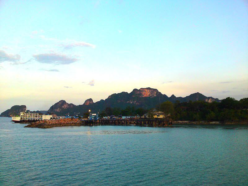 Backpacken Koh Tao reistips Surat Thani pier