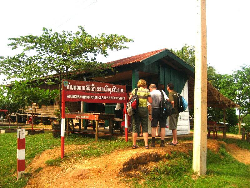 Backpacken Laos grens Voen Kham