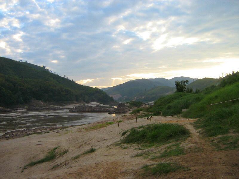Backpacken reistips Pak Beng Laos Mekong rivier
