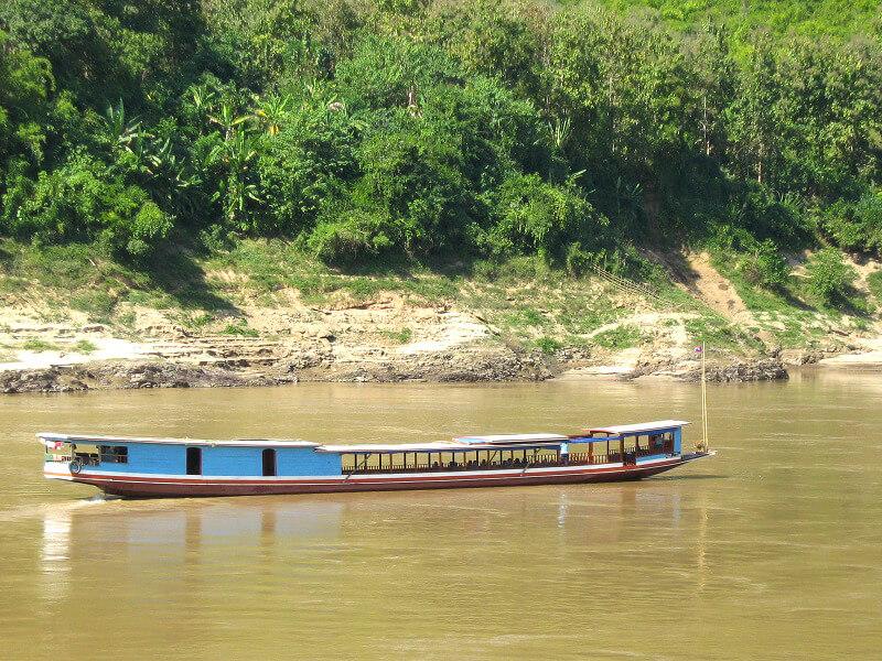 Backpacken reistips Pak Beng Laos slow boat