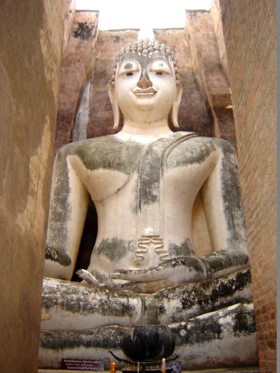 Backpacken reistips Sukhothai boeddha