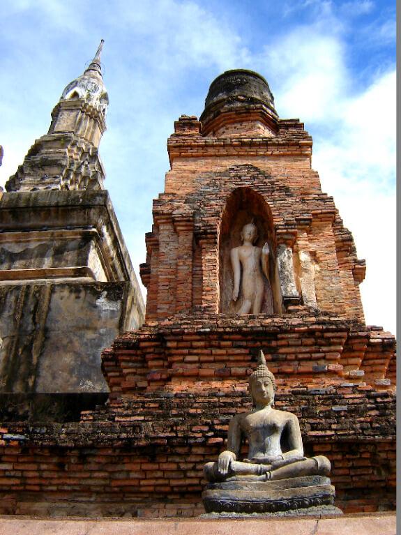 Backpacken reistips Sukhothai stupa