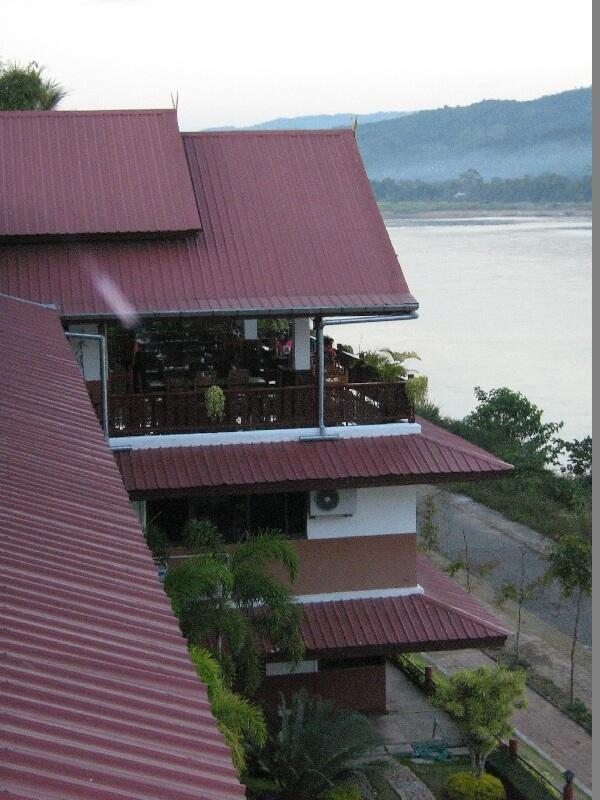 Chiang Khong hotel uitzicht op Ban Huay Xai