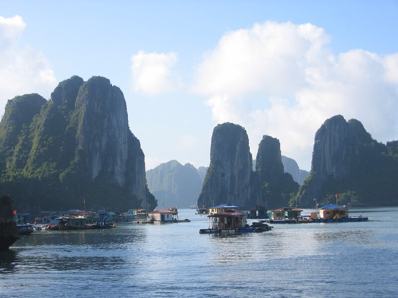 Reistips backpacken Halong Bay haaienkwekerijen