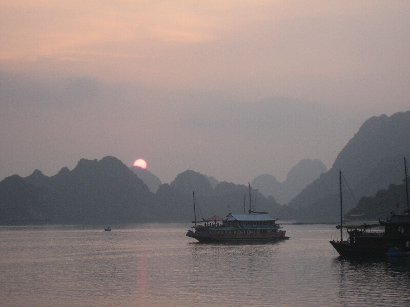 Reistips backpacken Halong Bay