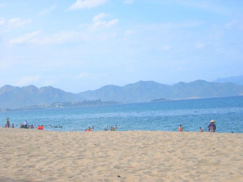 Reistips backpacken Nha Trang strand