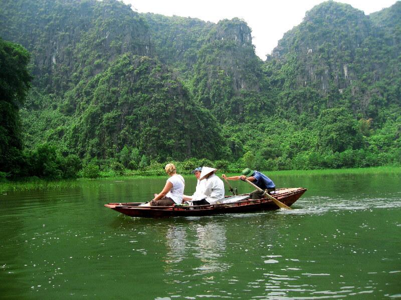 Reistips backpacken Ninh Binh boottour