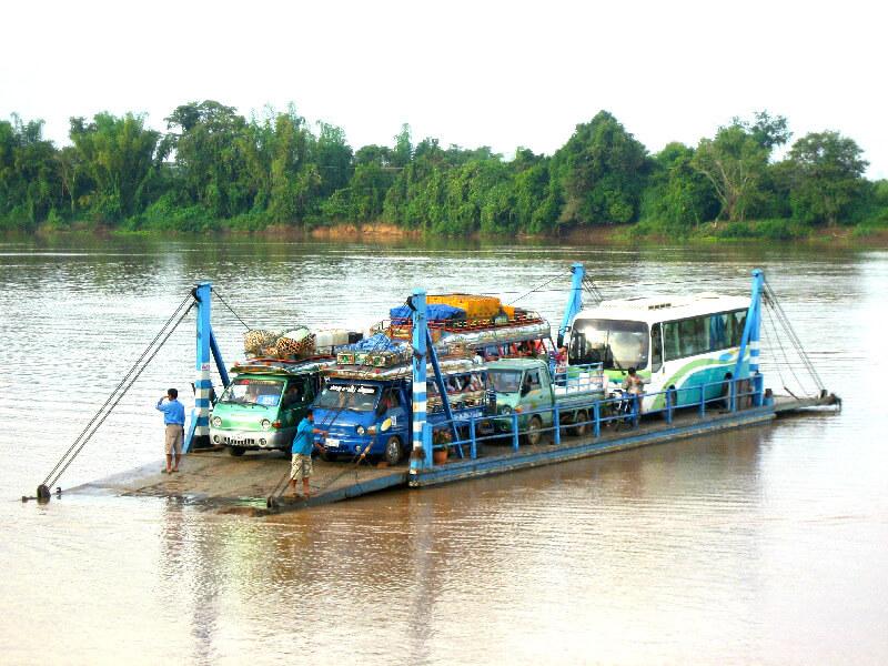 Vervoer in Laos ferry