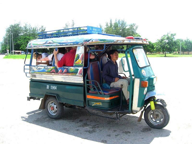Vervoer in Laos tuk tuk