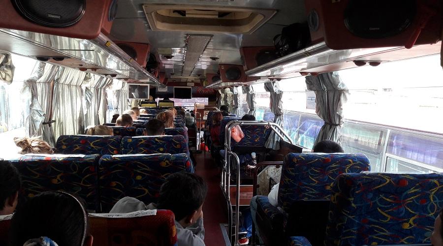 Binnenkant bus Cambodja