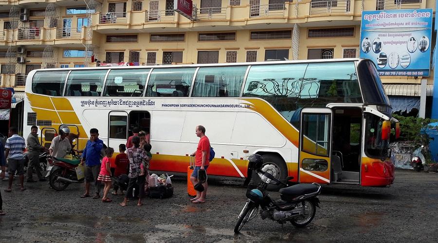 Cambodja bus