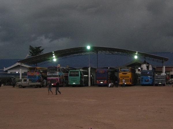 Busstation van Vientiane in Laos