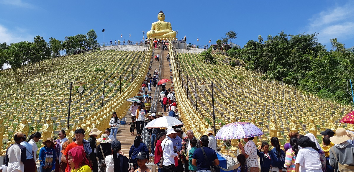 Duizend Boeddha's in Takeo
